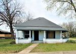 Foreclosed Home in Siloam Springs 72761 E DELAWARE ST - Property ID: 1424664308