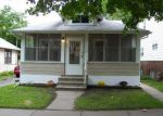 Foreclosed Home in Saint Paul 55106 EARL ST - Property ID: 1475439515