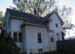 Foreclosed Home in Davenport 52802 MCKINLEY AVE - Property ID: 1498760308