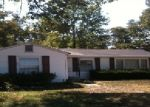 Foreclosed Home in Tennessee Ridge 37178 N MAIN ST - Property ID: 1559464385
