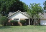Foreclosed Home in Fort Worth 76134 HERITAGE LN - Property ID: 1571605468