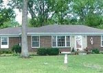Foreclosed Home in Goodlettsville 37072 MONCRIEF AVE - Property ID: 1622388551