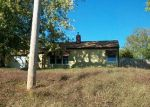 Foreclosed Home in Clinton 52732 27TH AVE N - Property ID: 1651045630