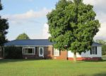 Foreclosed Home in Winchester 37398 OLD TULLAHOMA RD - Property ID: 1708294972