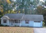 Foreclosed Home in Lafayette 37083 MAG A MOR DR - Property ID: 1708380811