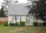 Foreclosed Home in West Warwick 2893 LITTLE JOHN LN - Property ID: 1883985604