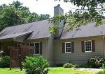 Foreclosed Home in Cleveland 30528 DAYBREAK RD - Property ID: 1961959426