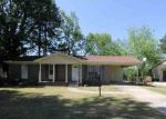 Foreclosed Home in Decatur 35601 BELLEMEADE ST SW - Property ID: 2141005380