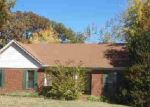 Foreclosed Home in Jackson 38305 WEDGEWOOD CV - Property ID: 2435195140