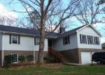 Foreclosed Home in Toccoa 30577 STONEWOOD DR - Property ID: 2494777118