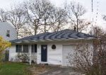 Foreclosed Home in Shirley 11967 BRUSHWOOD DR - Property ID: 2537512890