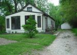 Foreclosed Home in Cedar Rapids 52402 SYLVIA AVE NE - Property ID: 2705117649