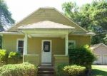 Foreclosed Home in Bloomfield 06002 PERSHING ST - Property ID: 2729054234