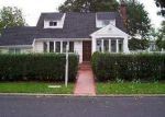 Foreclosed Home in Central Islip 11722 IRVING ST - Property ID: 2765202869