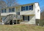 Foreclosed Home in Mastic 11950 TITMUS DR - Property ID: 2767867490