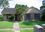 Foreclosed Home in Baton Rouge 70810 GENERAL ADAMS AVE - Property ID: 2786122243
