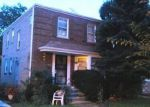Foreclosed Home in Chicago 60645 N SACRAMENTO AVE - Property ID: 2793121511