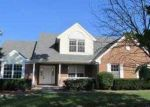 Foreclosed Home in Cincinnati 45233 NEEB RD - Property ID: 2801564782