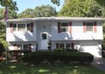 Foreclosed Home in Shirley 11967 SLEEPY HOLLOW DR - Property ID: 2807081494