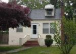 Foreclosed Home in Shirley 11967 HOUNSLOW RD - Property ID: 2810172718