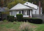 Foreclosed Home in Central Islip 11722 RIDGEWOOD AVE - Property ID: 2812606989