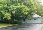 Foreclosed Home in Fort Wayne 46818 BROADMOOR AVE - Property ID: 2822915122