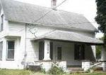 Foreclosed Home in Davenport 52804 N ZENITH AVE - Property ID: 2823038647