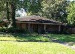Foreclosed Home in Baton Rouge 70810 RUE VILLANTRAY - Property ID: 2823220393
