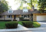 Foreclosed Home in Lincolnwood 60712 N LONGMEADOW AVE - Property ID: 2826116725