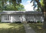 Foreclosed Home in Waterloo 50702 HOWARD AVE - Property ID: 2836723577