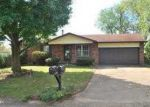 Foreclosed Home in Farmington 63640 E HILLSIDE DR - Property ID: 2843734217