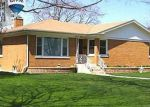 Foreclosed Home in Lincolnwood 60712 N AVERS AVE - Property ID: 2863342316