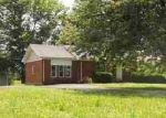 Foreclosed Home in Cave City 42127 PETERSON MORRISON RD - Property ID: 2873746838