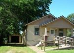 Foreclosed Home in Springfield 65802 W HAMILTON ST - Property ID: 2874082314