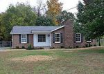 Foreclosed Home in Clarksville 37042 FOXMOOR DR - Property ID: 2874771249