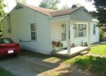 Foreclosed Home in Richmond 64085 E BLACK DIAMOND ST - Property ID: 2878459877