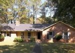 Foreclosed Home in Rome 30165 CASTLEWOOD DR SW - Property ID: 2888531523