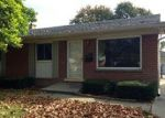 Foreclosed Home in Lincoln Park 48146 HELEN AVE - Property ID: 2889820476
