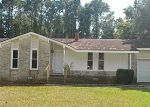 Foreclosed Home in Jacksonville 28546 COUNTRY RD - Property ID: 2892230199