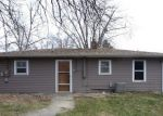 Foreclosed Home in Aurora 60505 OAKVIEW AVE - Property ID: 2939177519