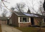 Foreclosed Home in Essexville 48732 HALL ST - Property ID: 2957388477