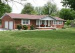 Foreclosed Home in Bowling Green 42101 HILLTOP RD - Property ID: 2965245284