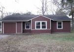 Foreclosed Home in Lake Jackson 77566 MAGNOLIA ST - Property ID: 2971961178