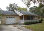 Foreclosed Home in Red Springs 28377 ALLEN AVE - Property ID: 2973034665