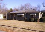 Foreclosed Home in Birmingham 35214 CIRCLEWOOD DR - Property ID: 2999851364