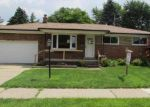 Foreclosed Home in Center Line 48015 POTOMAC CT - Property ID: 3003061724
