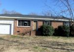 Foreclosed Home in Gastonia 28052 FALLING OAK LN - Property ID: 3007940309