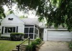 Foreclosed Home in Toledo 43612 WESTWAY ST - Property ID: 3012170261