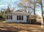 Foreclosed Home in Laurens 29360 CHESTNUT ST - Property ID: 3012309540