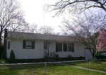 Foreclosed Home in Shirley 11967 REVILO AVE - Property ID: 3018561169